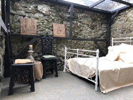 Bed room Clonony Castle